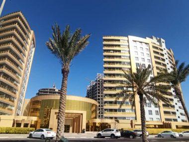 آپارتمان ۱۳۳ متری رو به دریا در برج طلایی جزیره کیش
