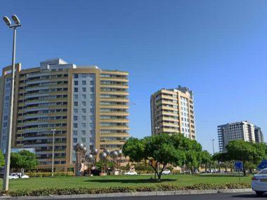 آپارتمان ۱۲۷ متری رو به دریا در برج طلایی جزیره کیش